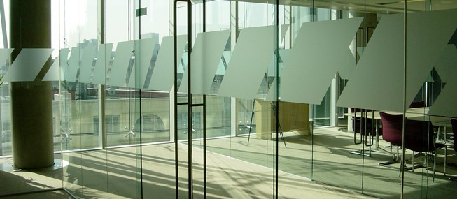 Glass manifestation to comply with building regulations for Window manifestations